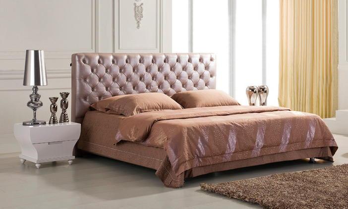 Кровати с мягким изголовьем и тахты